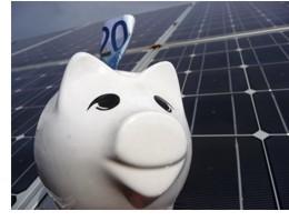 Bei der Steuer ist für die Betreiber einer Photovoltaikanlage einiges zu beachten.